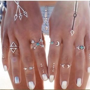 Jewelry - Bohemian Moon Direction Midi Rings Set